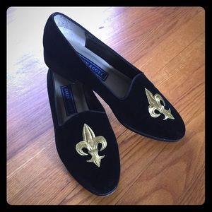 Vintage Karen Scott Velvet W/ Fleur-De-Lis Loafers